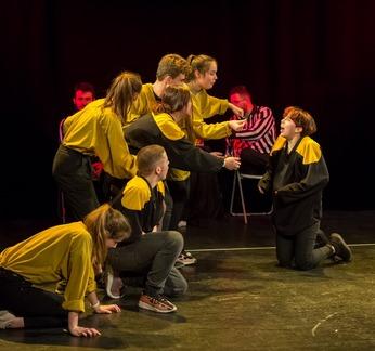 Spectacle d'impro ados par la Bulle Carrée samedi 18 janvier au Manding'art Toulouse